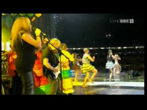 Waka Waka Shakira in 2010 FIFA WORLD CUP Kick-Off Celebration...