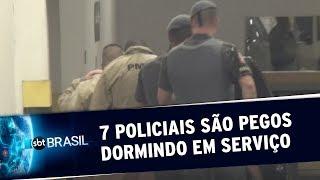 Sete policiais militares são pegos dormindo em serviço em SP | SBT Brasil (17/07/19)
