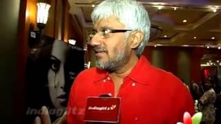 Raaz 3 - Bipasha Basu & Vikram Bhatt Shares 'Raaz 3' Success