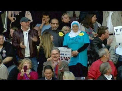 Trump'ı protesto eden iki Müslüman salondan çıkarıldı
