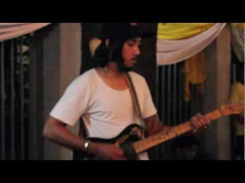 SMOKE ON THE WATER – SANAMLUANG JASSROCK (Pick indy)