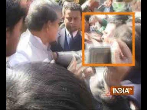 Caught on camera: Uttarakhand Congress leader Harish Rawat slaps party worker - India TV