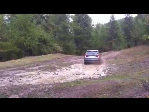 BMW X3 F25 30d off road in the mud