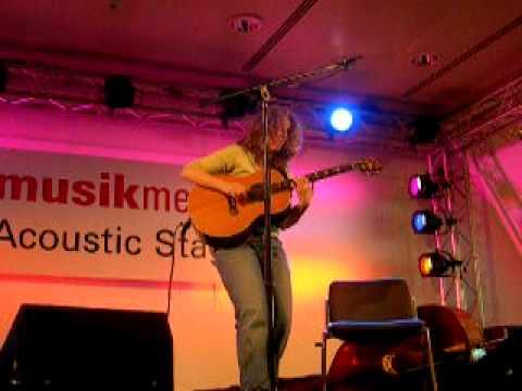 Vicki Genfan ,Musikmesse 2009 Frankfurt (I)