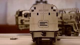 Механический конструктор 3D пазл Ugears — Локомотив с тендером 443 детали   Обзор