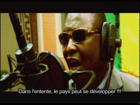 Voices United for Mali - 'Mali-ko' (Peace / La Paix) - Franais sous-titres