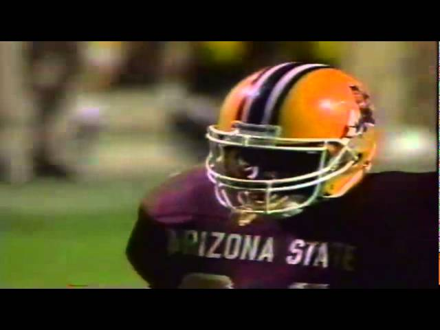 Oregon LB Terrell Edwards buries ASU RB Mario Bates for a loss 11-09-1991