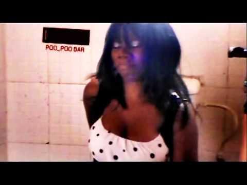 Nigerian Girl Nearly Poops Herself video