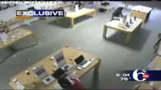 Thumb 5 ladrones robaron una Apple Store en 31 segundos