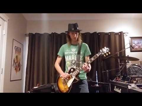 Download Ozzy Osbourne - Under the Graveyard guitar cover Mp4 baru