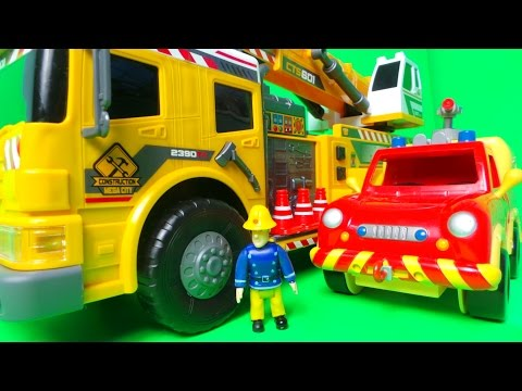 Fireman Sam and Venus Inspect the New Dickie Toys Mobile Crane