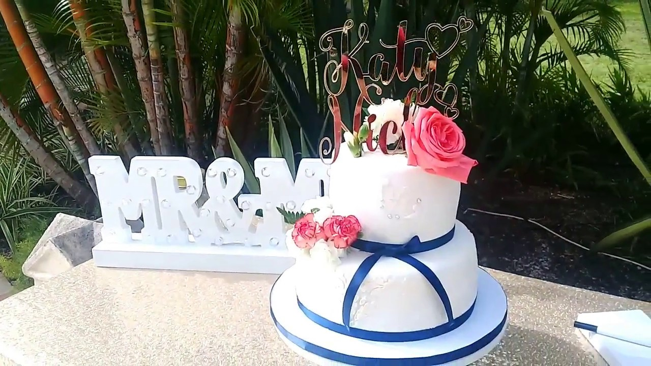 Cake eating wedding