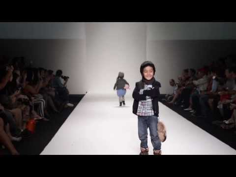 "KIFW Siam Paragon Fashion Week 2013 ""LE Petit Pumm"""