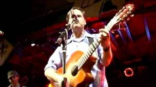 Watch Calexico Across The Wire video