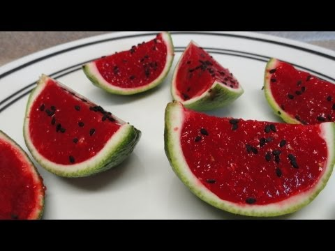 Jello (gelatine) watermelon slices