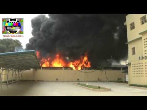 Gigantesque incendie au camp militaire RIT Général GNASSINGBE Eyadema de Lomé