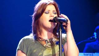 Watch Kelly Clarkson That I Would Be Good Use Somebody video
