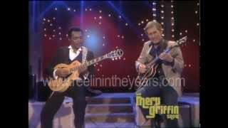 "Chet Atkins & George Benson- ""Help Me Make It Through The Night"" (Merv Griffin Show 1984)"