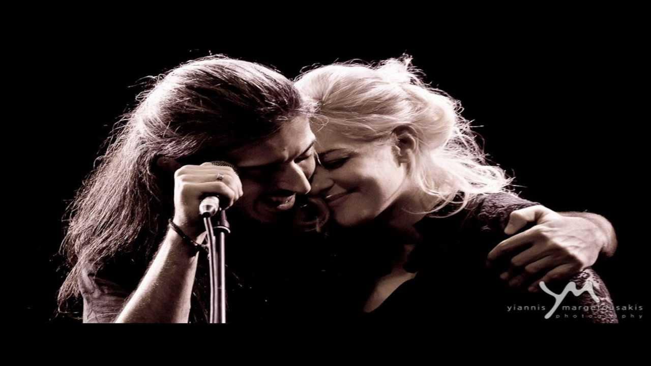 Νατάσσα Μποφίλιου & Γιάννης Χαρούλης - Καίγομαι καίγομαι