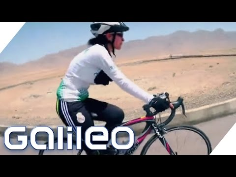 Diese afghanischen Frauen machen Revolution auf Rädern | Galileo | ProSieben