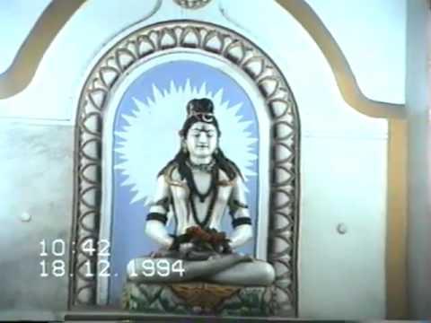 Hari Sharma Landing at Delhi & Varanasi visting Temples in BHU and Durga Kund Dec 14, 1994