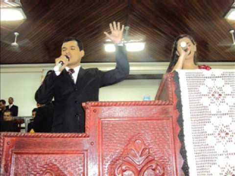 Cantores Airton e Lucinéia.WMV