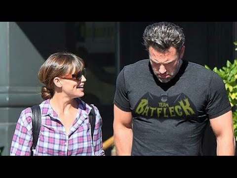 Ben Affleck Rocks Team Batfleck Shirt?! Batman v Superman Producer Speaks!