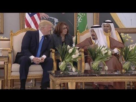 Download  President Trump arrives in Saudi Arabia Gratis, download lagu terbaru