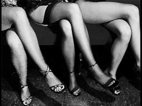 Владелец массажных салонов вКрыму полгода превращал девушек впроституток