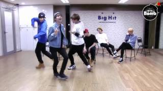 Download Lagu [BTS/V/Rap monster] V can't stop laughing because of Rap monster Gratis STAFABAND