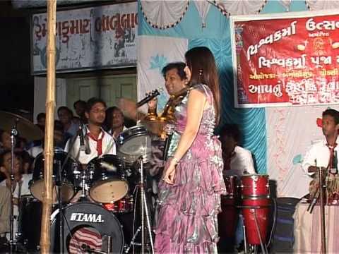Nikita Joshi ~ Chup Gaye Sare Nazare .. Live video