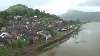 download lagu Mandovi Express Watches Beautiful Scenery At Savitri River Bridge gratis