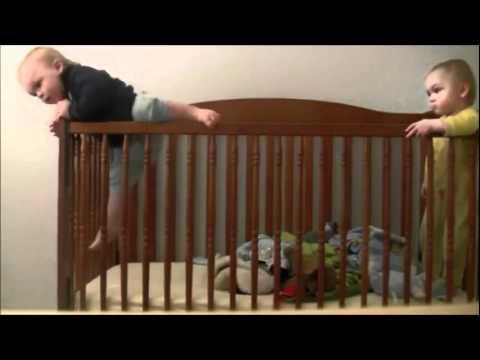 Videos de risa   Bebés escapando de la cuna   Mision Imposible HD.flv
