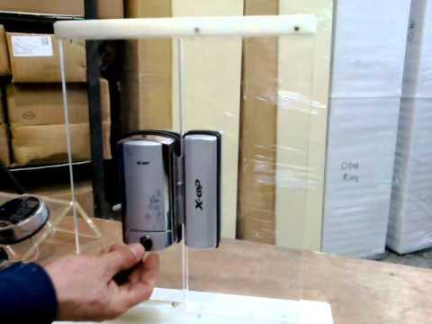 Cerradura para puerta blindex youtube for Puertas de vidrio para baneras