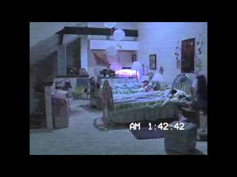 Paranormal Activity 3 – Video Virale 4