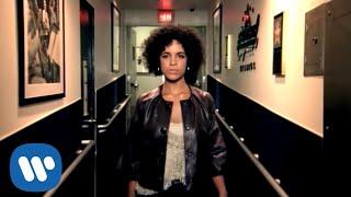 Watch Laura Izibor Shine video
