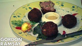 Gordon Ramsay TEARS APART the Food! | Hotel Hell