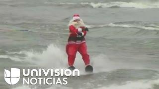 Santa Claus y sus duendes esquiaron en las gélidas aguas del río Potomac en Virginia