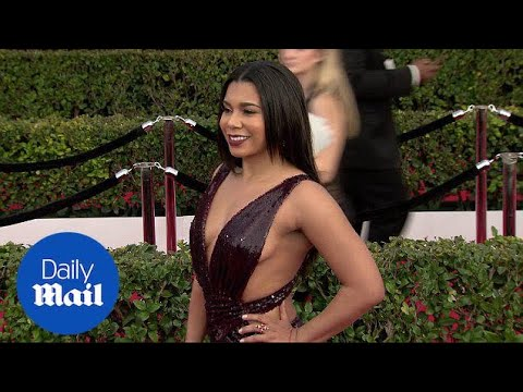Jessica Pimentel flashes some side boob at 2017 SAG Awards - Daily Mail