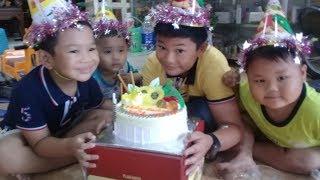Đồ chơi trẻ em bé pin bánh kem sinh nhật  ❤ PinPin TV ❤ Baby toys cake birthday