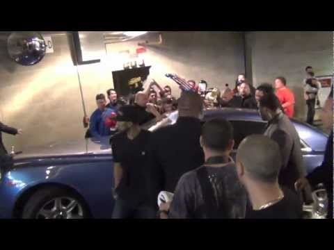 Fans mob, Floyd Mayweather Jr. 50 CENT, Miguel Cotto, Fight Madness!