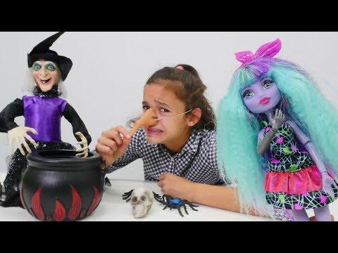 Видео для девочек про кукол #МонстерХай 👗 Баба ЯГА расколдовала Асу Элу 🎃 Веселые игры #длядевочек