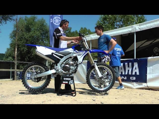 Vid�o Yamaha YZ450F 2014 : Une bleue taill�e pour la gagne !