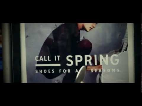 נעלי ספרינג –  CALL IT SPRING bus station karaoke campaign