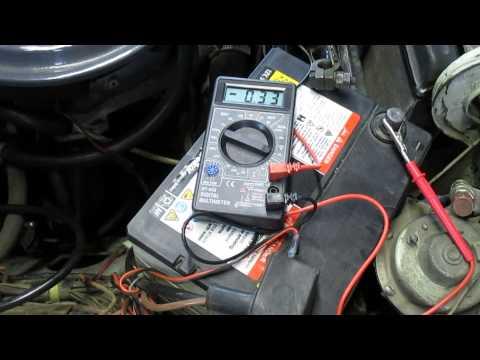 Видео как проверить утечку аккумулятора мультиметром