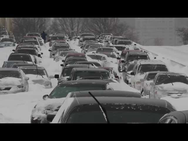 Chicago Blizzard 2011 - Unbelievable Scene on Lake Shore Drive