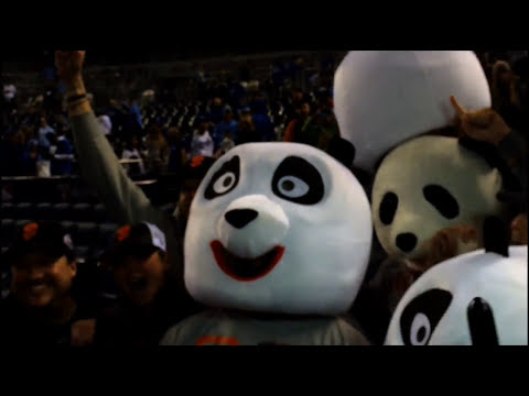 Giants slugger Pablo Sandoval dons panda head, celebrates World Series win with fans