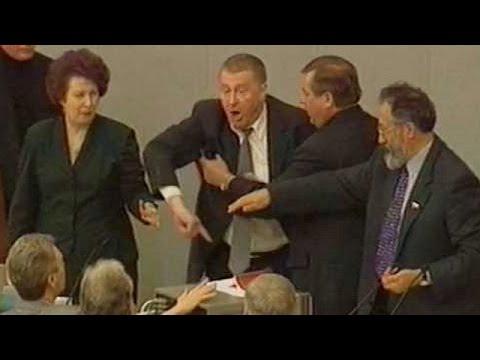 Жириновский оскорбил Мизулину. И плюнул в депутата!