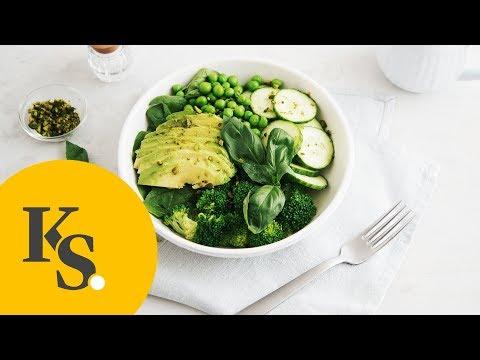 Gesunde Ernährung | Grüner Salat mit Avocadodressing