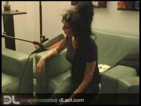 The DL - Amy Winehouse 'Love is a Losing Game' Live!